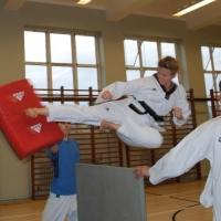 Fly kick!